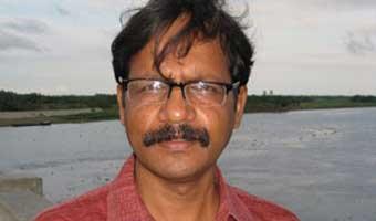 জিয়া হাশানের প্রবন্ধ 'বাবার আনন্দ'