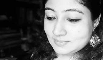 শ্রেয়া চক্রবর্তীর আত্মগদ্য 'রাত গভীরের সংলাপ'